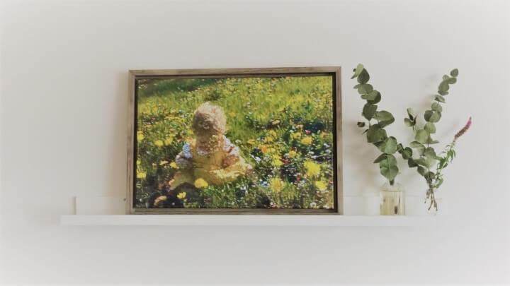 Kind in veld in de stijl van Renoir