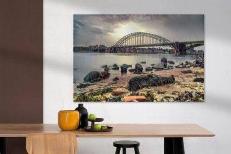 Sfeerimpressie Impressionistisch kunstwerk van Nijmegen Strandje Waal en de Waalkade